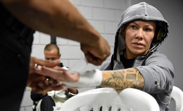 Cris (foto) quer voltar ao Invicta antes de lutar no UFC de novo. Foto: Buda Mendes/UFC