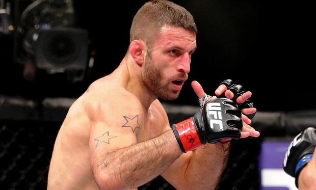 Saffiedine (foto) sairá de mais um duelo por lesão. Foto: Josh Hedges/UFC