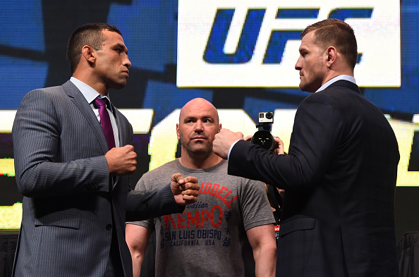 Werdum e Miocic fazem a luta principal do UFC 198. Foto: Josh Hedges/UFC