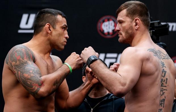 Werdum (esq.) e Miocic (dir.) fazem a luta principal. Foto: Buda Mendes/UFC
