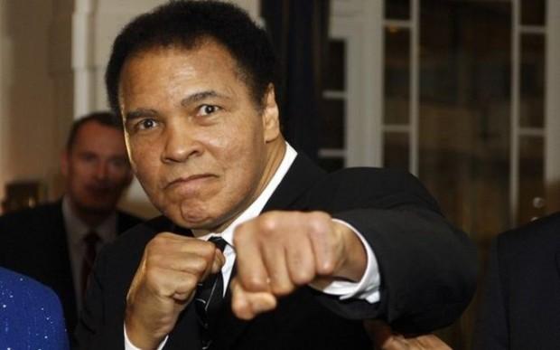 Ali está internado em estado delicado nos Estados Unidos