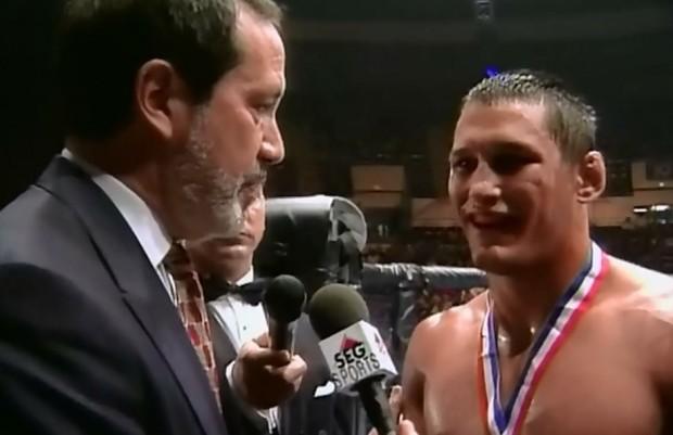 Meyrowitz (esq.) com D. Henderson nos primeiros UFCs. Foto: Divulgação