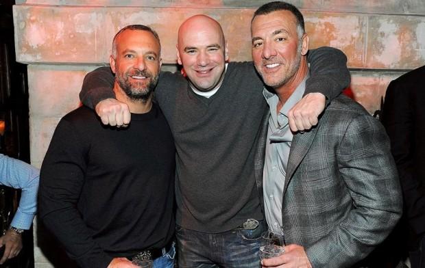 Lorenzo (esq.), Dana (centro) e Frank (dir.), a alta cúpula do UFC. Foto: Divulgação