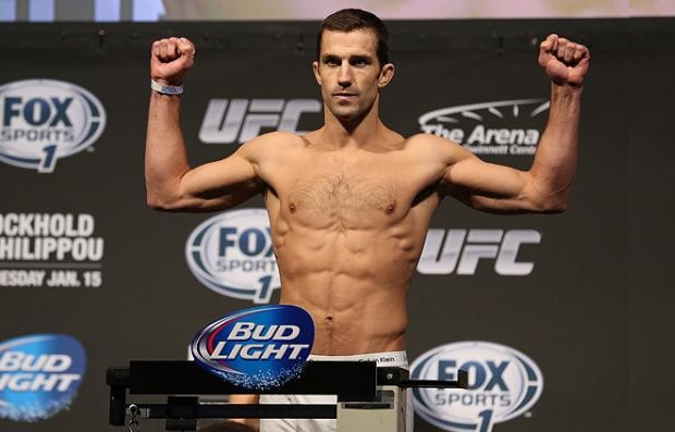 Rockhold (foto) quer enfrentar Jon Jones no Submission Underground Foto: Josh Hedges/UFC
