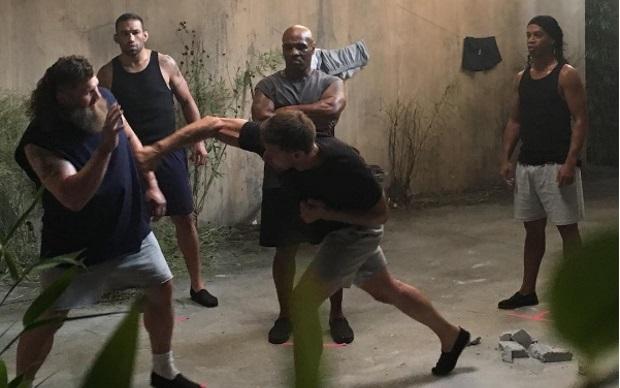 """Último dia de gravações de """"Kickboxer: Retaliation"""".Foto: Reprodução"""