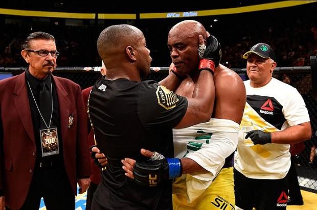 Cormier dominou Anderson e venceu no UFC 200. Foto: Divulgação