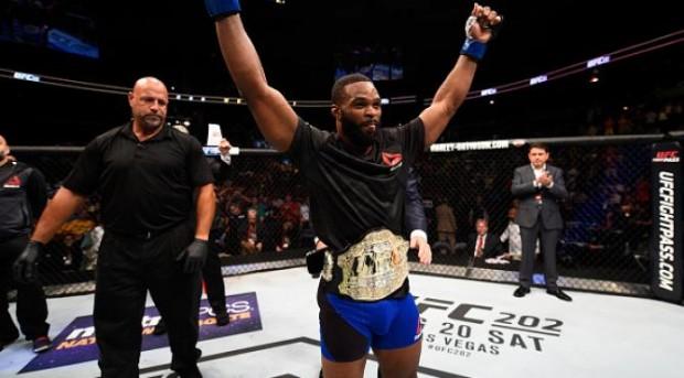 Woodley é o atual campeão dos meio-médios do UFC. Foto: Divulgação/UFC