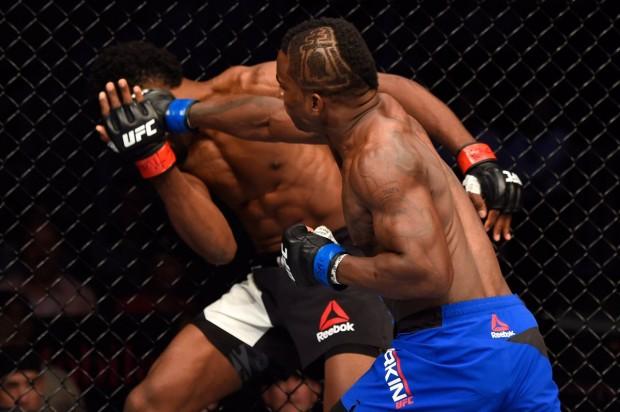 Larkin não deu chances a Magny. Foto: Divulgação/UFC