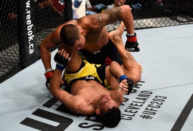 Pettis derrotou Charles no UFC Vancouver