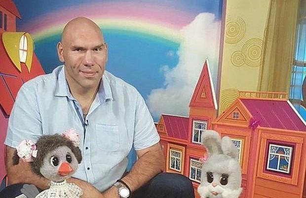 Valuev apresentará programa infantil na Rússia. Foto: DIvulgação