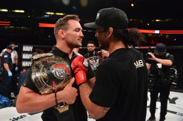 Chandler (esq) colocará seu cinturão em jogo contra Henderson (dir) no Bellator 164. (Foto: Bellato MMA).