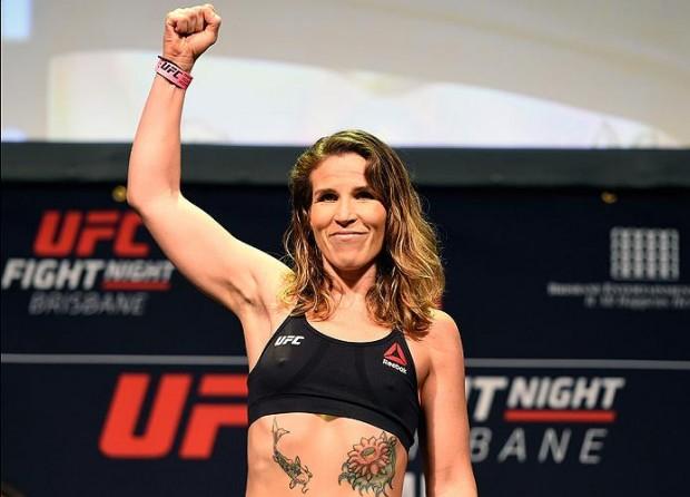 L. Smith removeu um tumor que estava alojado em seu estômago. (Foto: Josh Hedges / UFC)