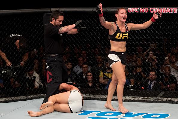 Cyborg nocauteou L. Lansberg e venceu sua segunda luta no UFC. (Foto: Getty Images)