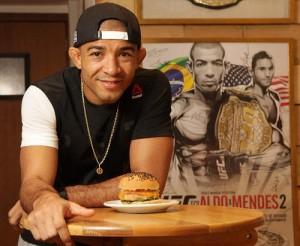 Aldo é dono de lanchonete no Rio. Foto: Divulgação