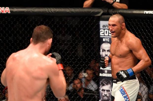 """Bisping e Henderson fizeram a """"Luta da Noite"""" do UFC 204. Foto: Divulgação/UFC"""