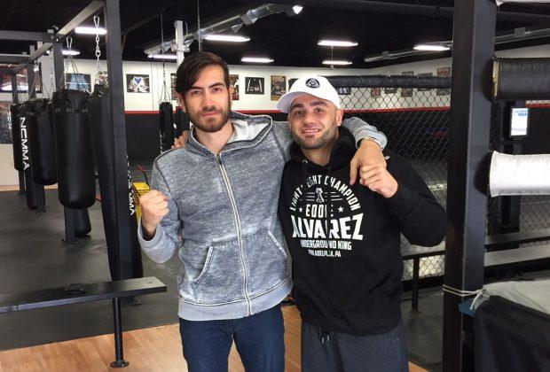 Bilharinho (esq) está ajudando E.Alvarez (dir) no camp para o UFC 205. (Foto: Divulgação / Arquivo Pessoal)