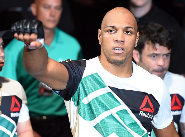 Pezão enfrenta galês estreante no UFC on Fox 23. (Foto: Getty Images)