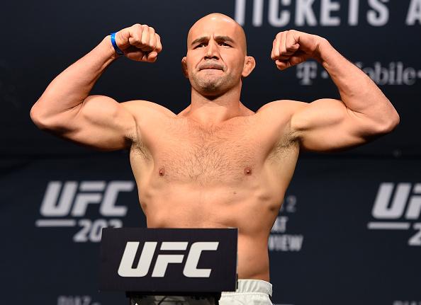 Glover irá estar em ação no UFC 208, dia 11 de fevereiro. (Foto: Getty Images)