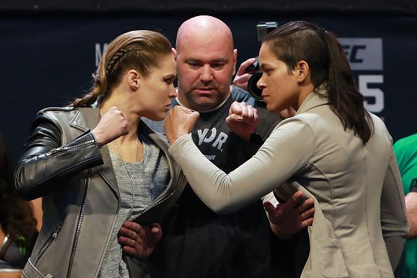 Ronda (esq) e Nunes (dir) se enfrentam no UFC 207. (Foto: Getty Images)