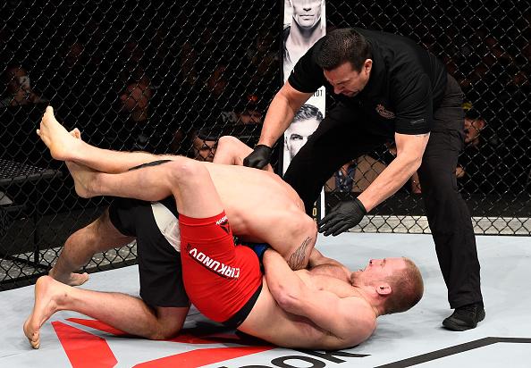 Cirkunov finalizou Krylov na última luta do card preliminar do UFC 206. (Foto: Getty Images)