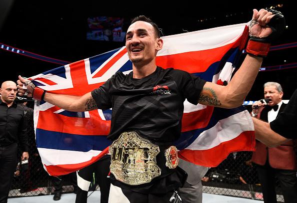 Holloway é o novo campeão interino da categoria dos penas. (Foto: Getty Images)
