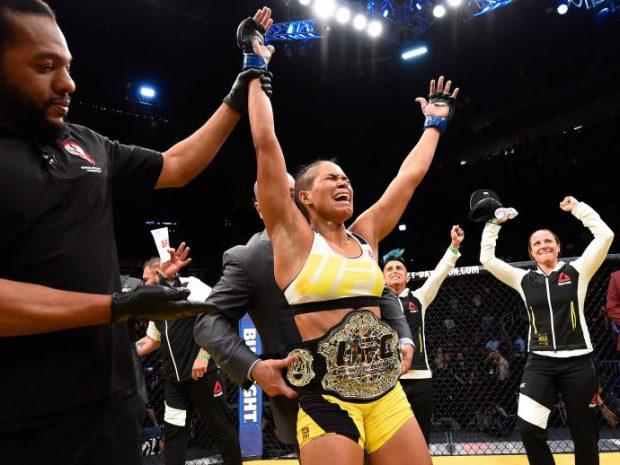A. Nunes coloca seu cinturão em jogo no UFC 207. (Foto: Getty Images)