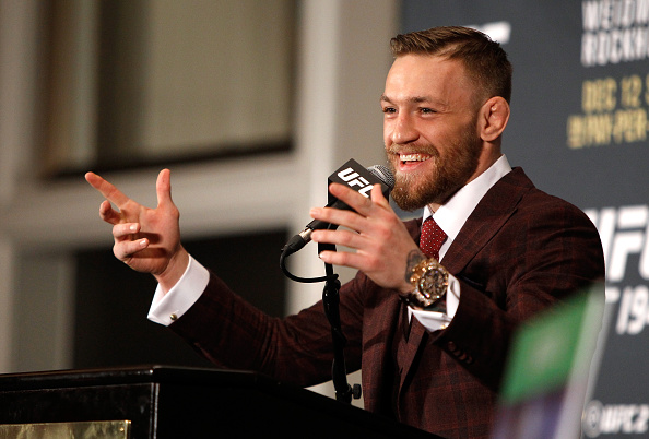 McGregor garantiu que irá lutar nas regras do boxe. (Photo by Steve Marcus/Getty Images)