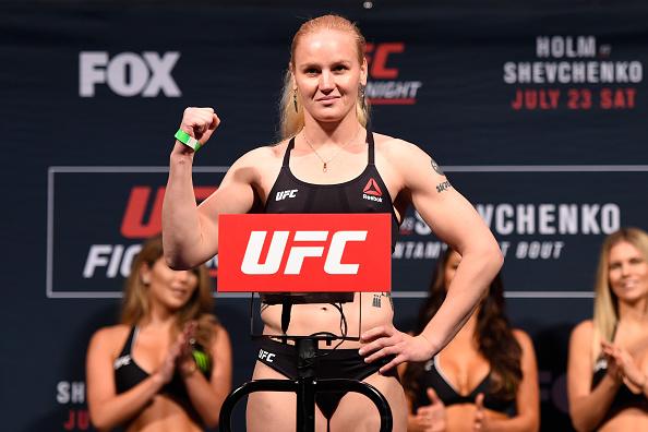 Shevchenko enfrenta Penna na luta principal do UFC Denver. (Foto: Getty Images)