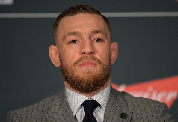 McGregor concedeu entrevista coletiva no último sábado (28). (Foto: Getty Images)