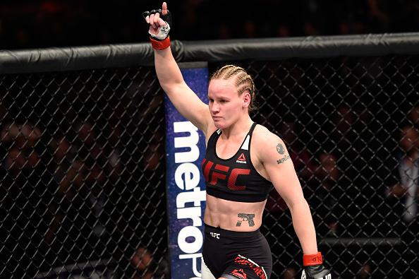 Shevchenko foi uma dos quatro lutadores premiados após o UFC Denver. (Foto: Getty Images)