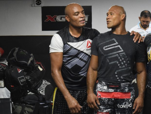 A. Silva e R. Jacaré treinam juntos. (FOTO: João Vitor Xavier/SUPER LUTAS)