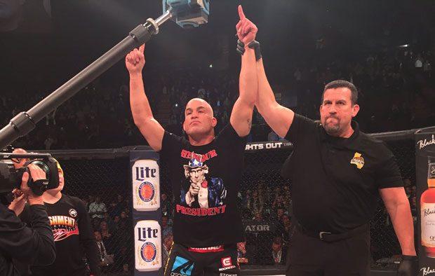 T. Ortiz (foto) venceu Sonnen em sua luta de despedida; Foto: Twitter/Bellator