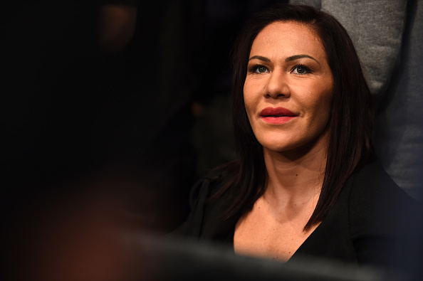 C. Cyborg viu ao vivo luta entre Holm e De Randamie (FOTO: Jeff Bottari/ Getty Images)