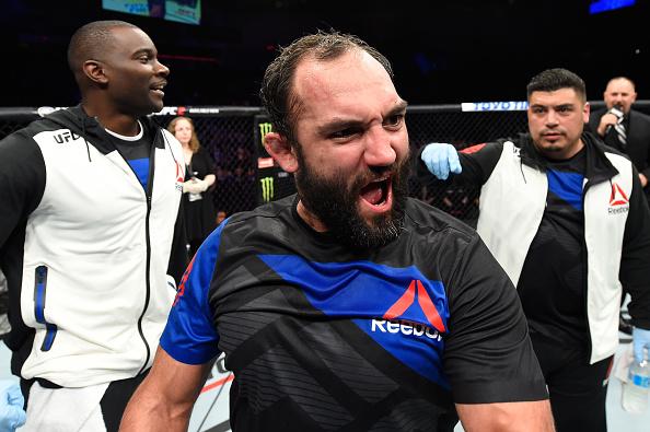 J. Hendricks comemora vitória no UFC Halifax (FOTO: Josh Hedges/Getty Images)