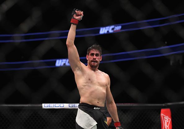 Cara de Sapato volta a lutar no UFC 212, em junho. (Foto: Christian Petersen/UFC)