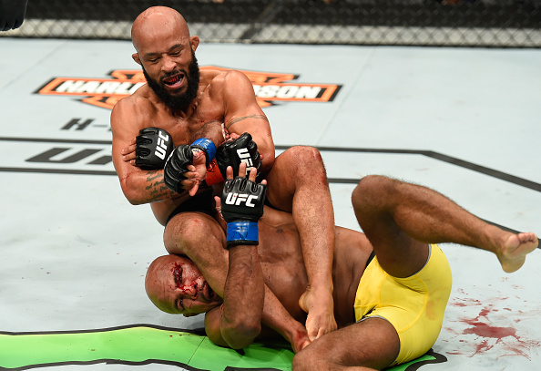 D. Johnson dominou e finalizou W. Reis (Foto: Josh Hedges/UFC)