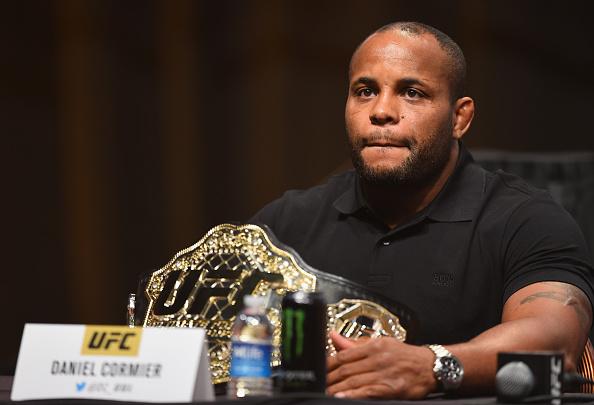 Cormier voltou a criticar Jones. (Josh Hedges/UFC)