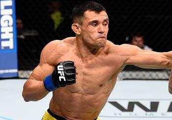Douglas vai lutar em Las Vegas (Facebook/UFC)