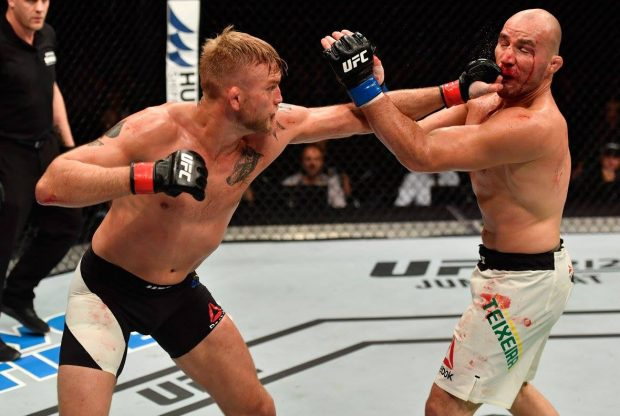 Gustafsson x Glover recebeu bônus de luta da noite (Foto: Facebook/UFC)