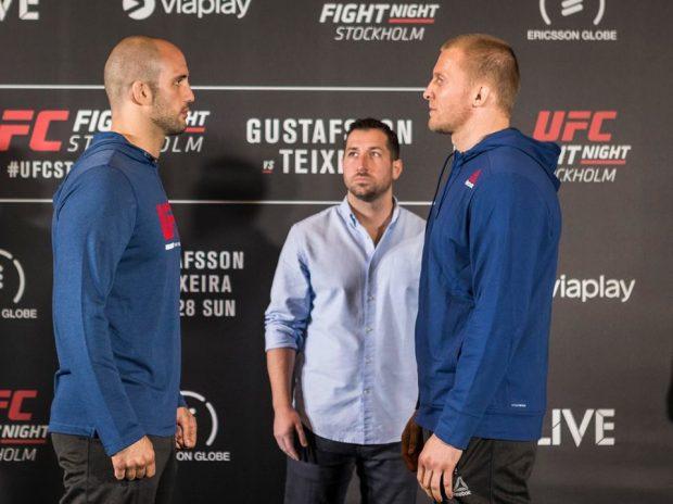 V. Oezdemir (esq) e M. Cirkunov (dir) se enfrentam (Foto: Reprodução/Facebook UFC)