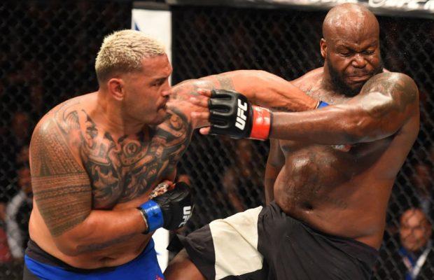 Hunt (esq) derrotou Lewis (dir.) na luta principal do UFC Auckland. Foto: Reprodução Twitter/UFC