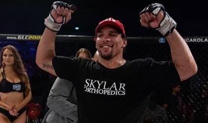 Anders vai estrear no UFC contra Sapo (Foto: Reprodução/Facebook ErykAnders)