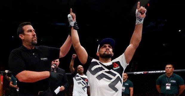 Gastelum lucrou um dos bônus de performance da noite (Foto:Reprodução/Facebook UFC)