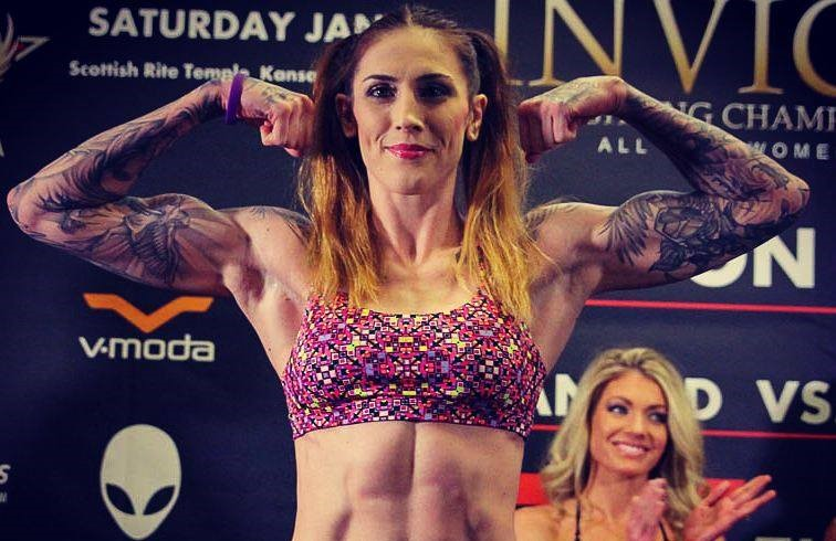 M. Anderson é campeã do Invicta (Foto: Reprodução/Facebook/Megan Anderson MMA)