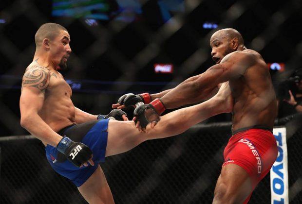 Whittaker (esq) e Romero (dir) receberam bônus (Foto: Reprodução/Facebook/UFC)