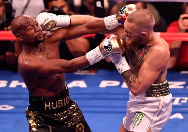 McGregor não foi páreo para Floyd (Reprodução Twitter UFCEurope)