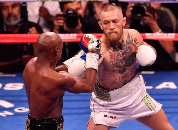 C. McGregor começou bem, mas foi derrotado por Floyd (Reprodução Twitter UFCEurope)