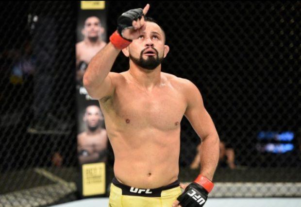 J. Formiga (foto) venceu no UFC Japão (Foto: Reprodução Instagram ufc_brasil)