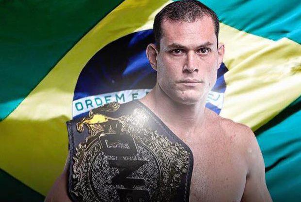 Roger pendurou as luvas do MMA aos 36 anos (Foto: Reprodução/Facebook RogerGracie)