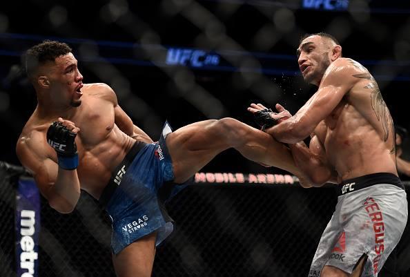K. Lee (esq) teve problemas com peso (Foto: Reprodução Facebook UFC)